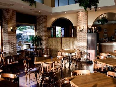 Alcaravea, Bar restaurante