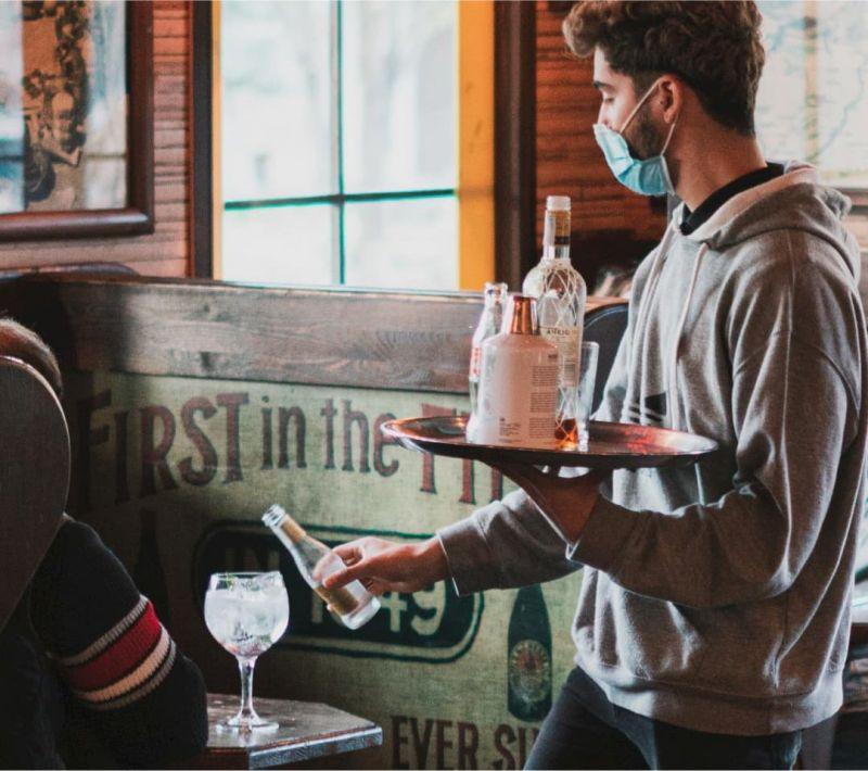 Bares y cafés con amigos en los finde con Tardeo