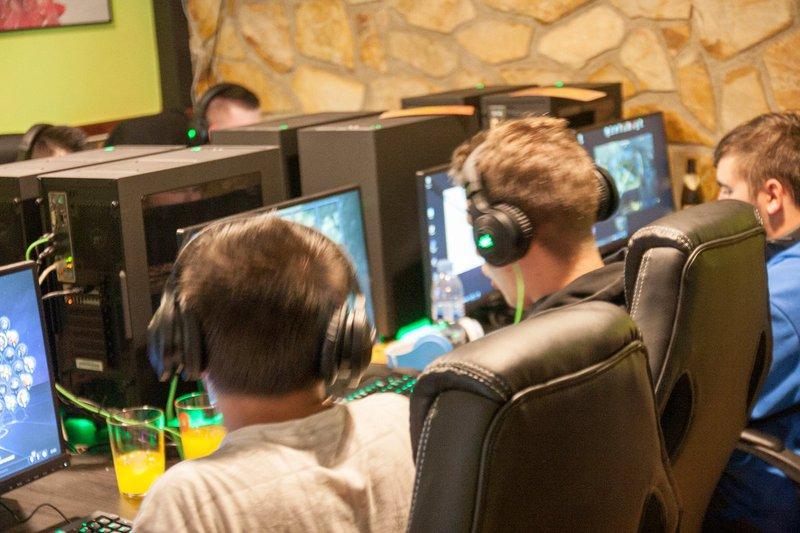 Foto 11  LevelUp Gaming Bar
